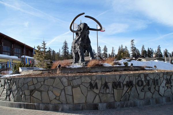 MAMMOTH LAKES UP FOR $1 BILLION FACELIFT