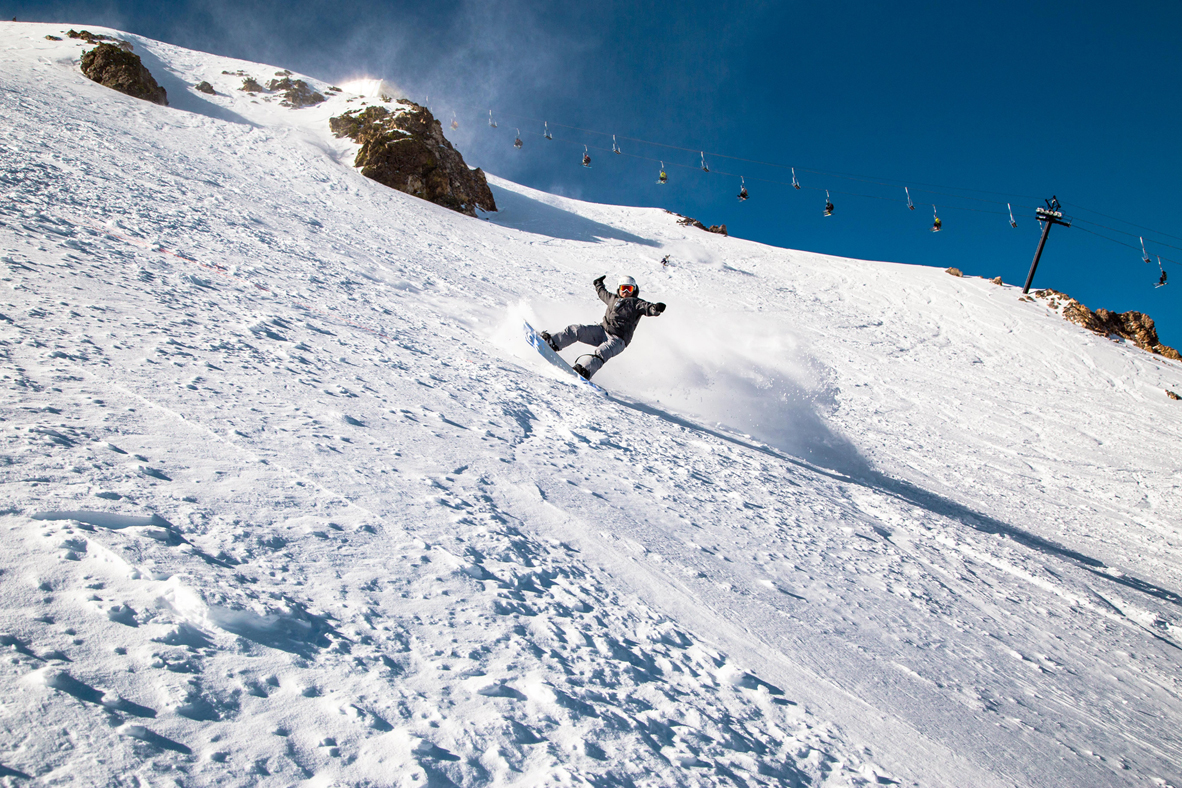 Snow Lagging? Mammoth Mountain Offers The Best Skiing In The Country!