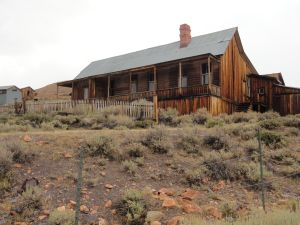 Bodie house with porch