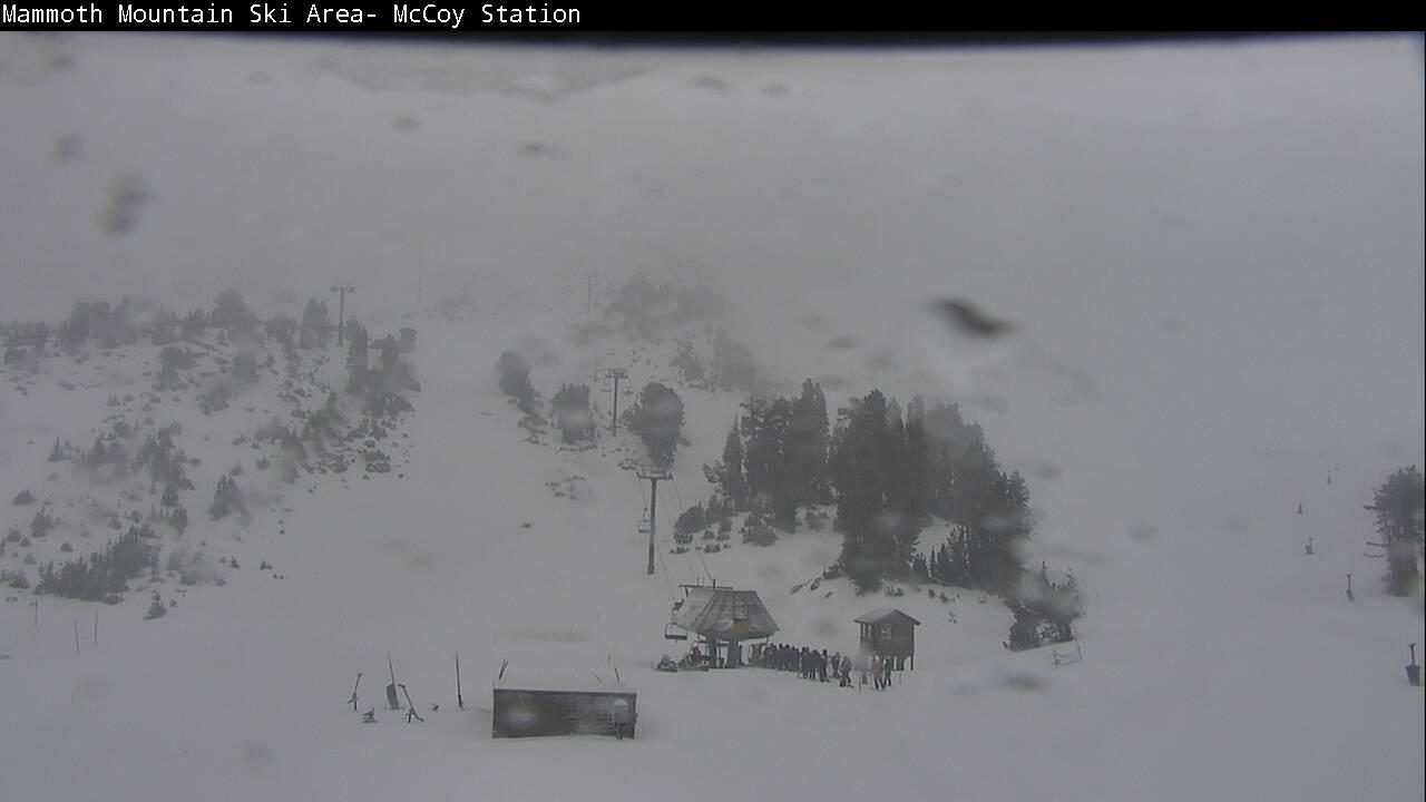 Snow Report 11-16-17  Dumping